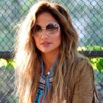 Jennifer Lopez con  gafas Chloé