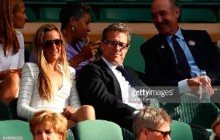 Hugh Grant lleva gafas Cutler and Gross