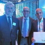 Hoya presenta el equipamiento global personalizado Yuniku en Silmo 2016