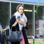 Jessica Alba y el bolso Paris Premier de Longchamp