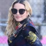 Madonna luce gafas Salvatore Ferragamo en los Billboard