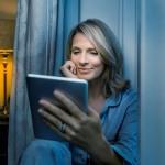 Bausch+Lomb lanza las primeras lentillas para presbicia diseñadas para usuarios de pantallas digitales
