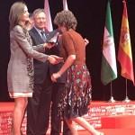 La Reina Doña Letizia entrega la Medalla de Oro de la Cruz Roja a la Fundación Barraquer