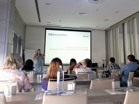 Curso de Alcon sobre lentes de contacto multifocales a los socios de Farmaoptics