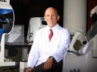 Las células madre podrían mejorar el queratocono, según un estudio del doctor Jorge Alió