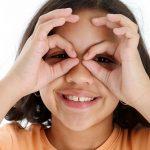 Visionlab regala gafas graduadas a niños de familias vulnerables