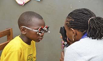 CooperVision colabora con los proyectos de la ONG Optometry Giving Sight