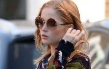 La actriz Ellie Bamber luce gafas de sol Salvatore Ferragamo
